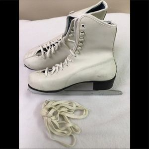 Other - Ladies Figure Skating boots ⛸